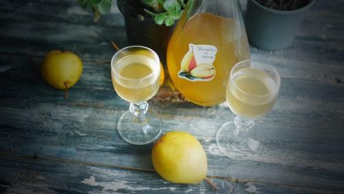 Наливка грушевая без водки. Грушевые настойки – 3 рецепта: классический, с изюмом и мятой