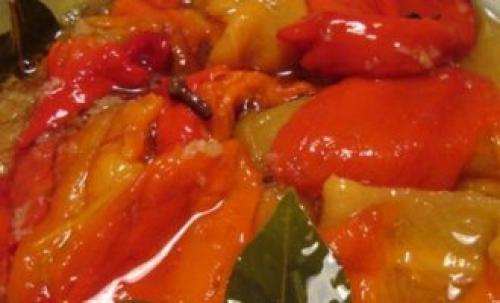 Лечо в томатном соке на 2 кг перца. Лечо из болгарского перца с томатной пастой «пальчики оближешь»
