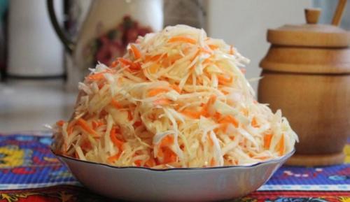 Квашеная капуста с уксусом за сутки. Квашеная капуста быстрого приготовления: 5 рецептов хрустящей и сочной капусты