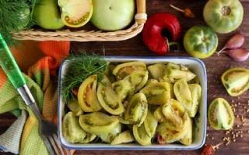 Соленые зеленые помидоры в кастрюле рецепт. Соленые зеленые помидоры — 8 лучших рецептов